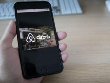 Ako Airbnb predražilo pobyt rodine na ich vlastnej chatke o 100 eur