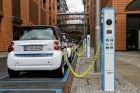 Koľko v budúcnosti ušetria elektrické autá?