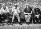 Anketa: Čo by mala vláda urobiť pre udržateľnosť penzijného systému? (Hospodárske noviny)