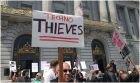 Americkí taxikári bojujú proti zdieľaniu súkromných áut