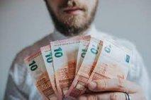 Minimálnu mzdu treba zmraziť